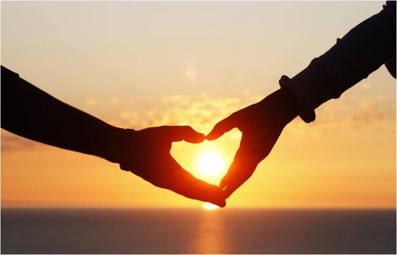 2 руки сердце